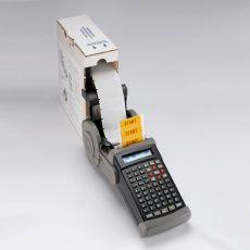 Процесс внешней подачи рулона этикеток в принтер TLS2200 Brady.