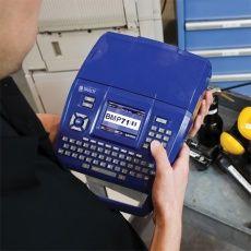 Высокая мобильность и небольшой вес принтера BMP71 позволяет осуществлять маркировку на весу.